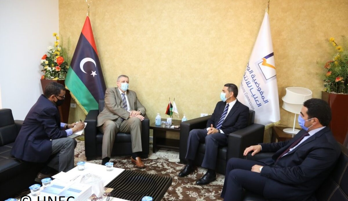SE Kubis meeting with HNEC's Imad al-Sayeh